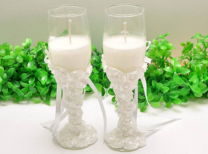 Wedding favor romantic candle in glass goblet